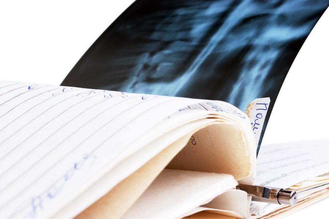 Datenschutzverstöße bei der Röntgenfilmentsorgung können Folgen haben.